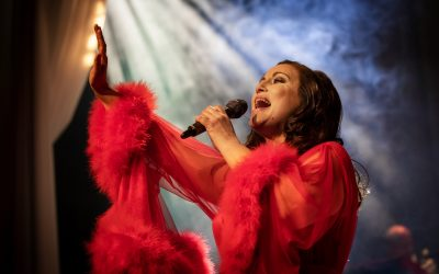 En drama queens bekendelser: Ypperlige Lisa Nilsson taler, synger – og taler