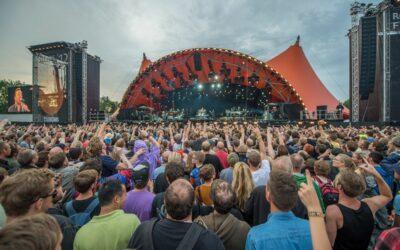 Roskilde Festival – Ny uomgængelig bog om det orangehovedede fabeldyr